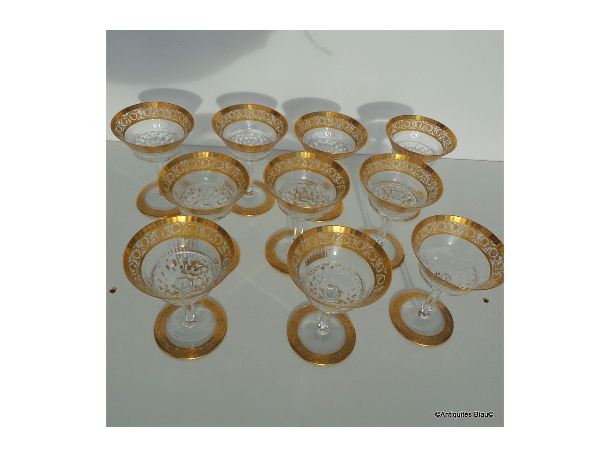Champagne glasses in crystal St - Louis  Thistle gold