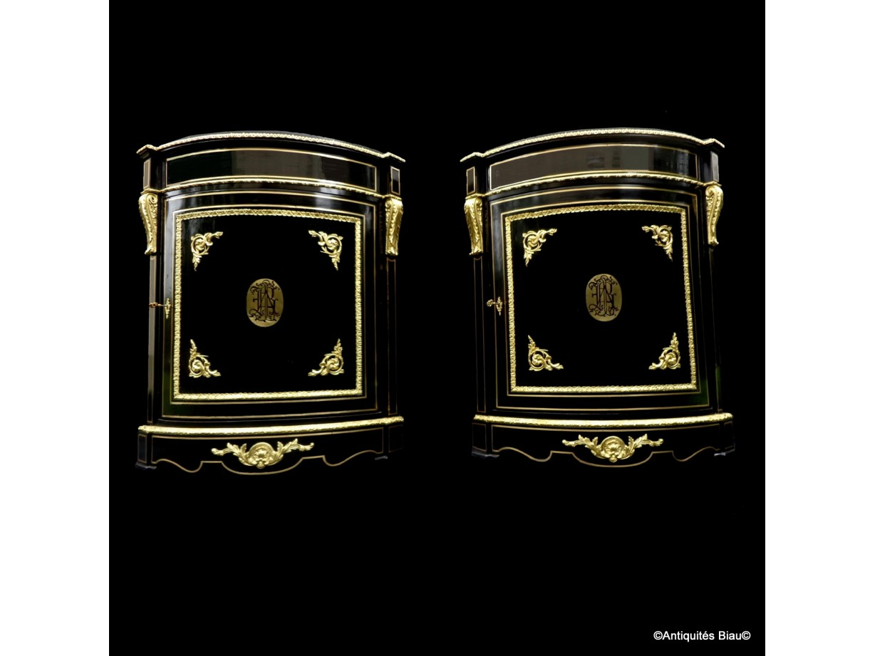 Pair Furniture of corners with brass inlay  firt 19th